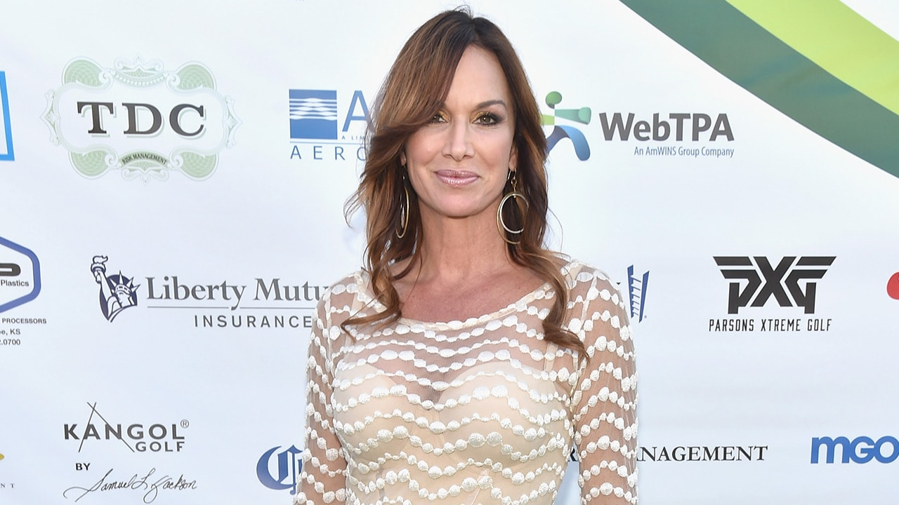 Debbe Dunning Background