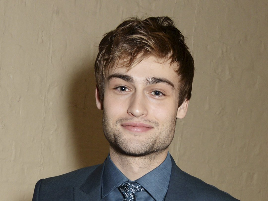 Douglas Booth Wallpapers hd