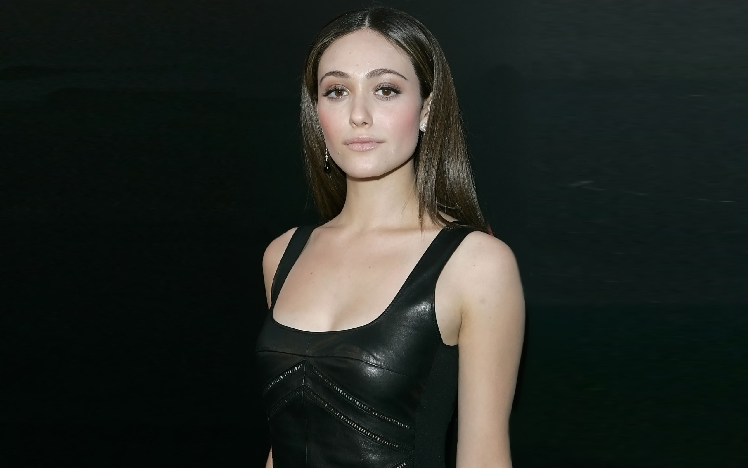 Emmy Rossum Hd Wallpapers 7wallpapersnet
