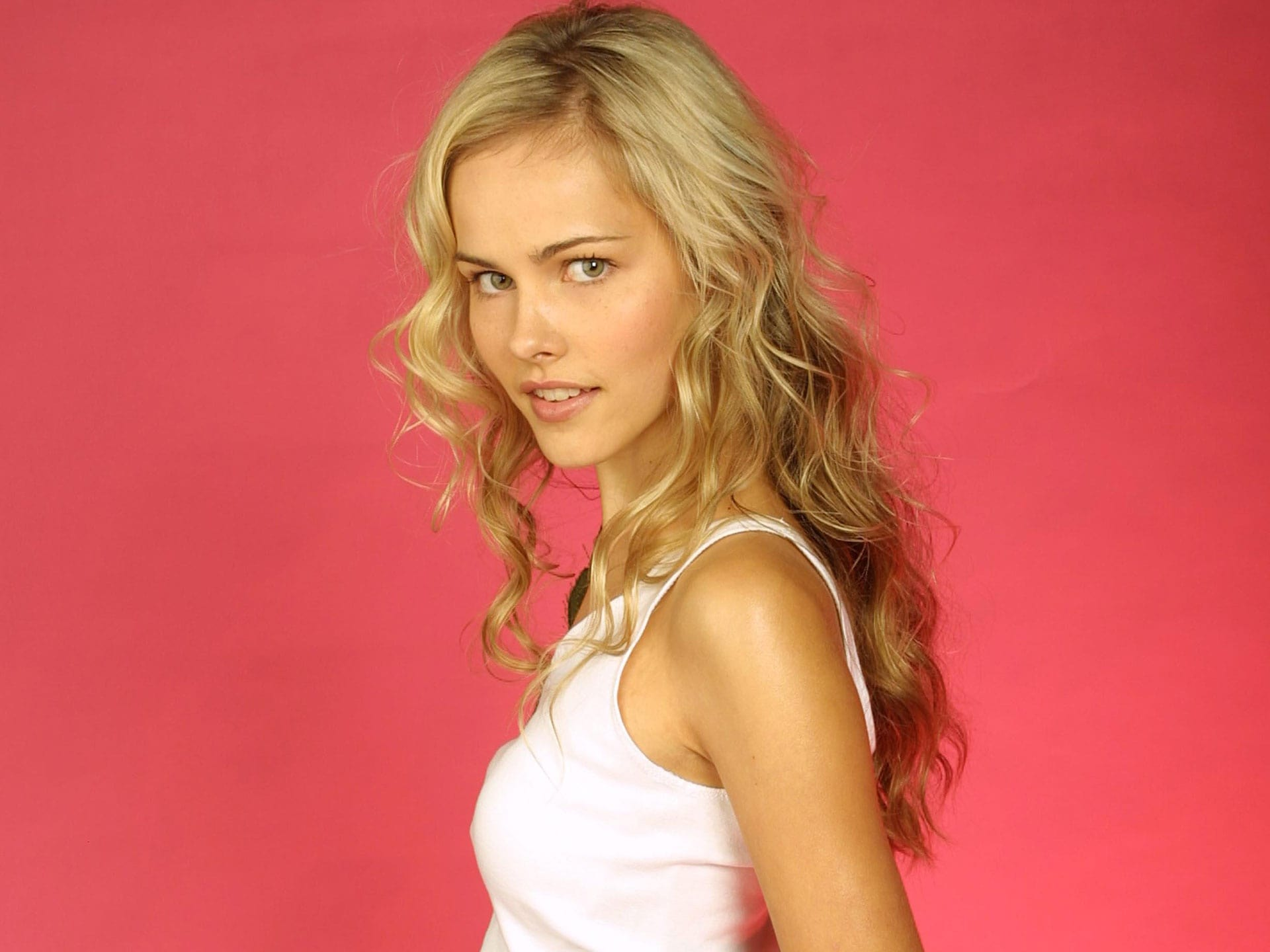 Isabel Lucas Wallpapers hd