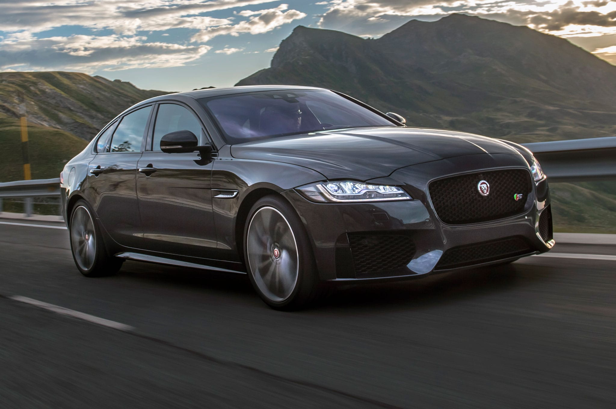 Jaguar XF 2 Wallpapers hd