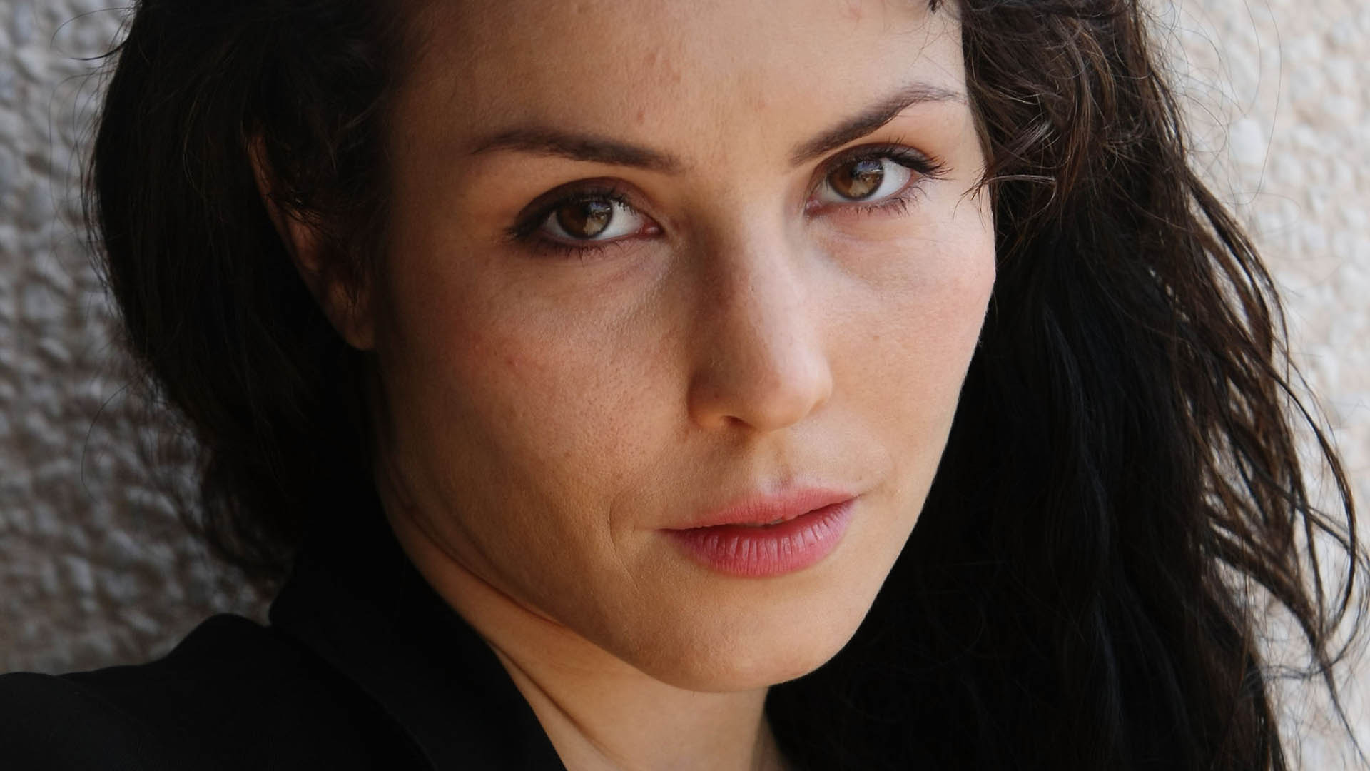 Noomi Rapace Wallpapers hd