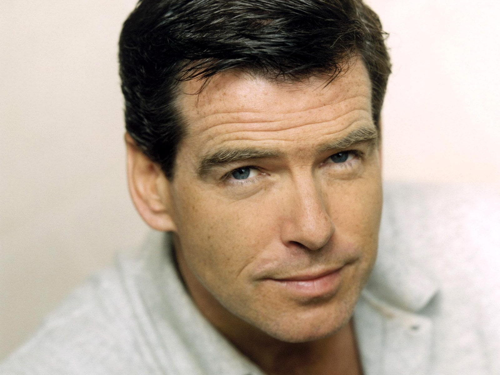 Pierce Brosnan Wallpapers hd