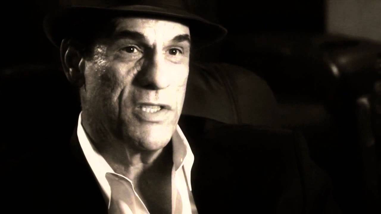 Robert Davi Background