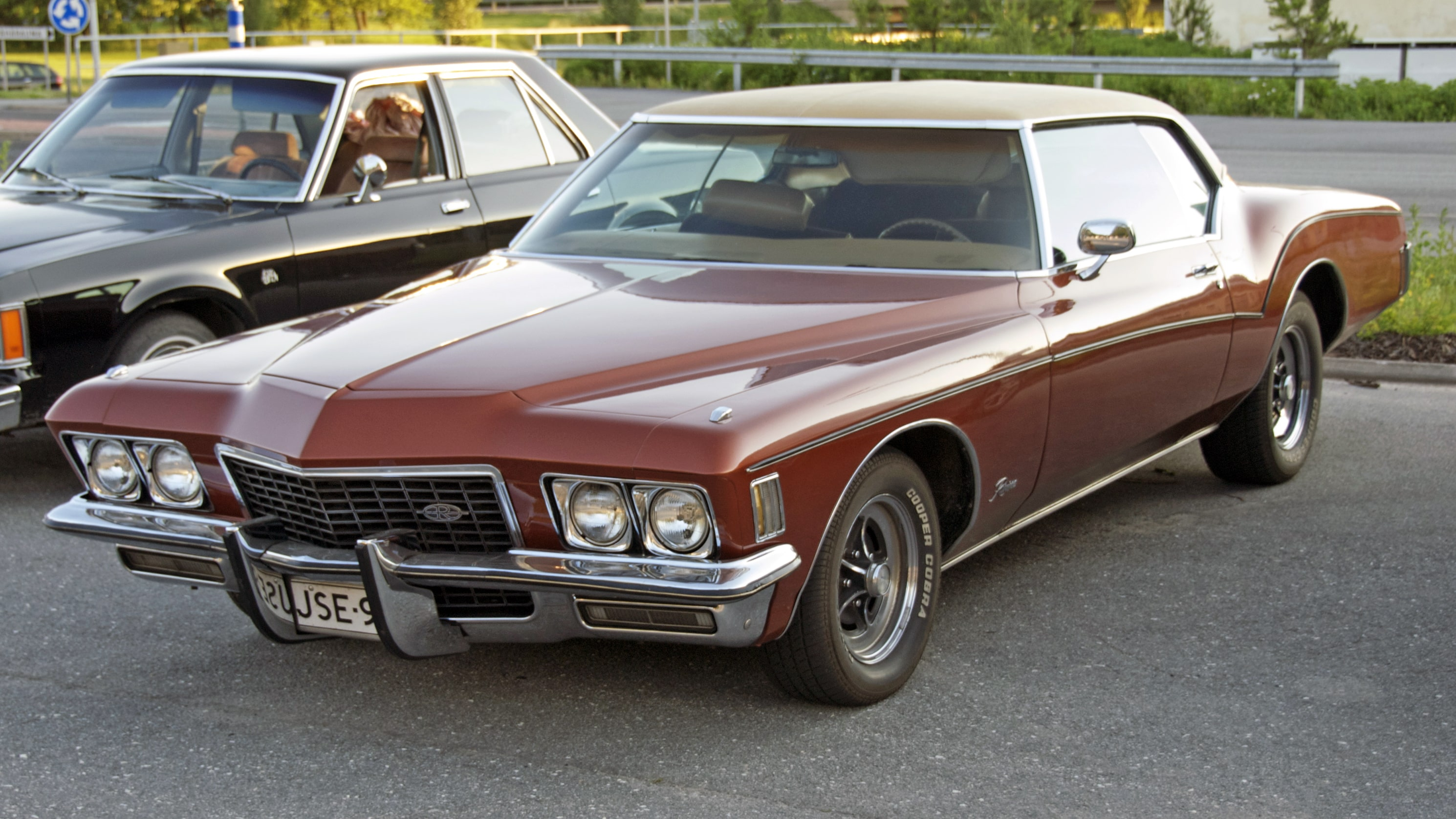 1971 Buick Riviera Backgrounds