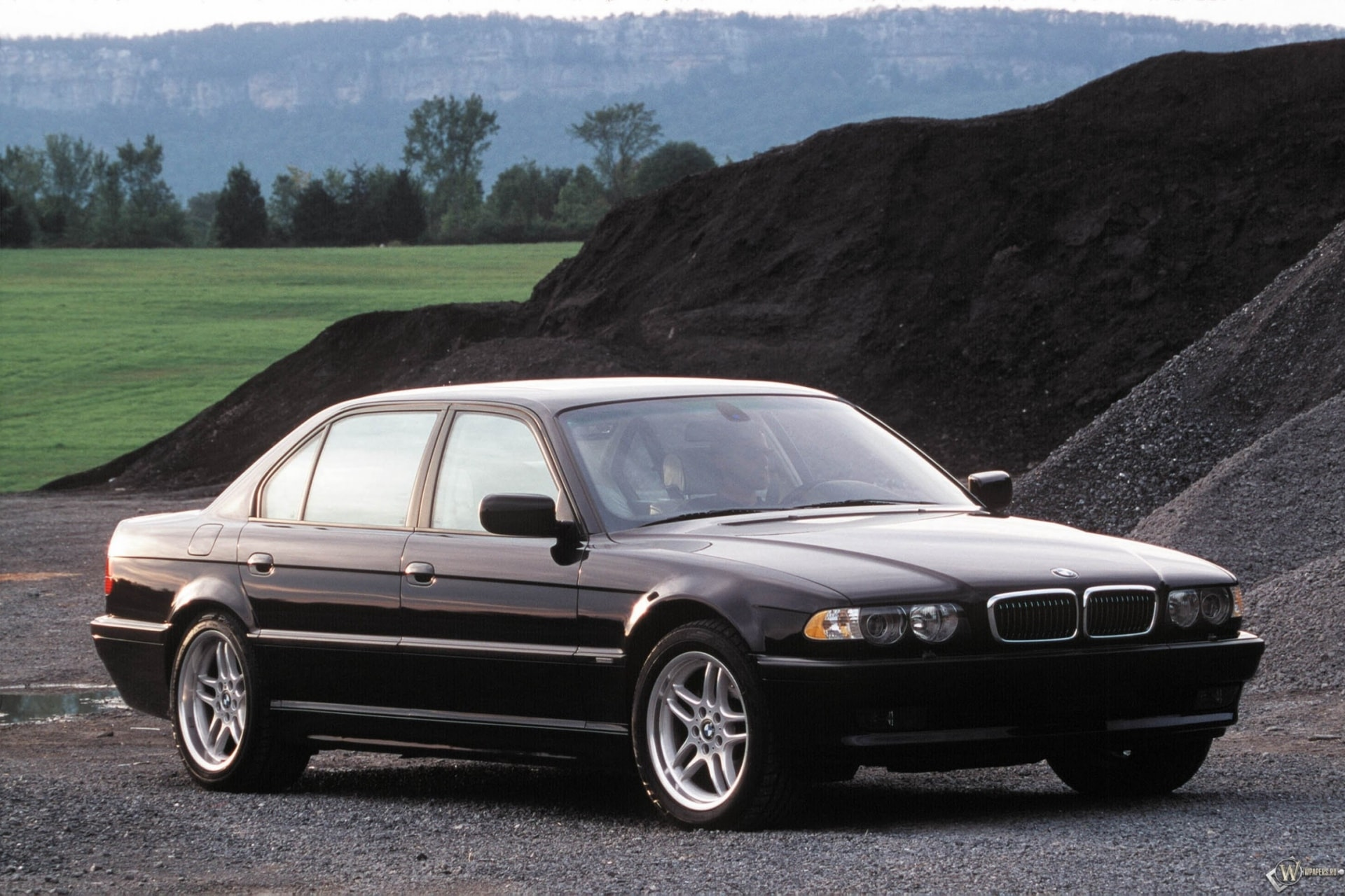 1995 BMW 7 Series Backgrounds
