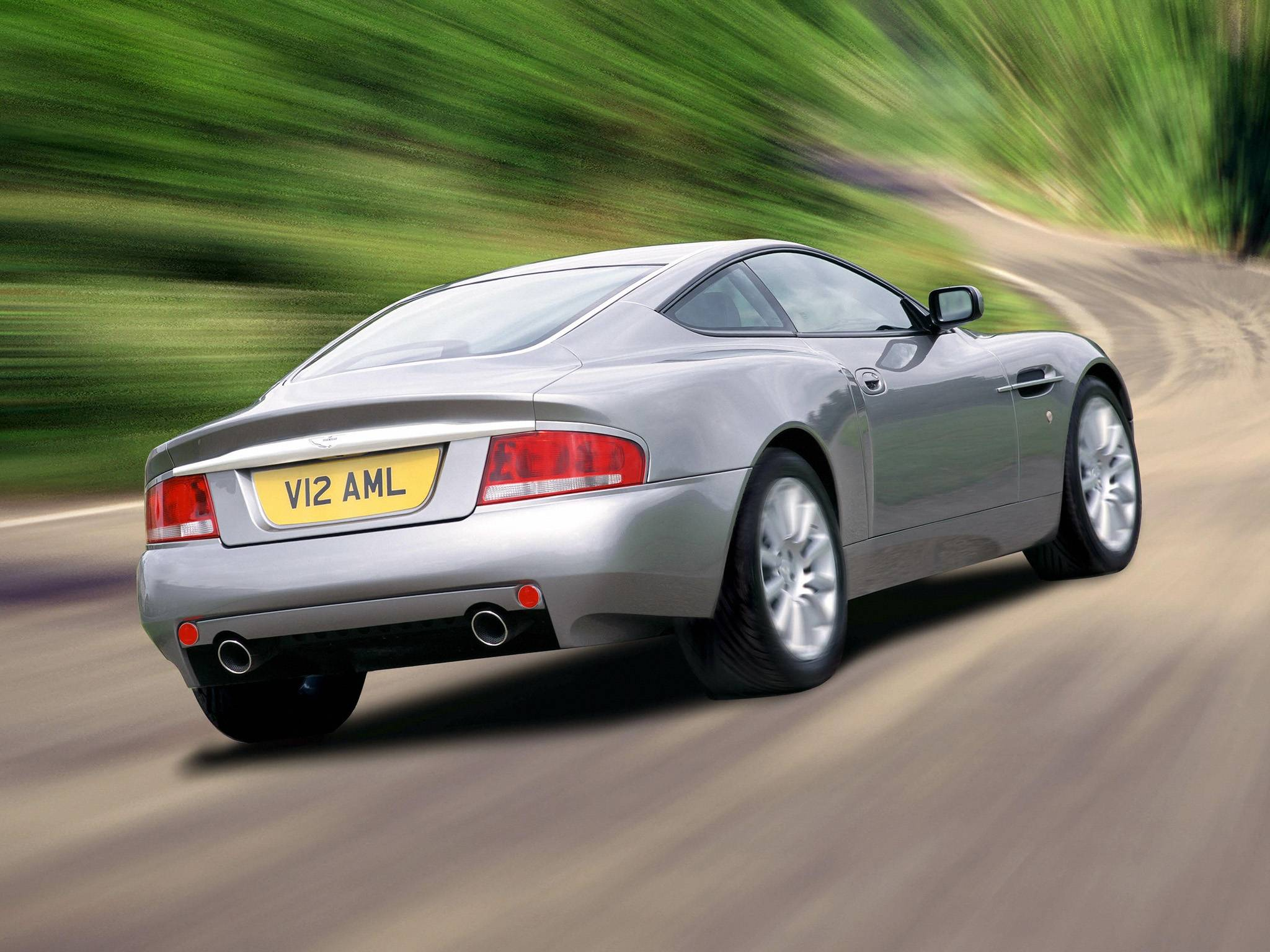 2001 Aston Martin Vanquish Backgrounds