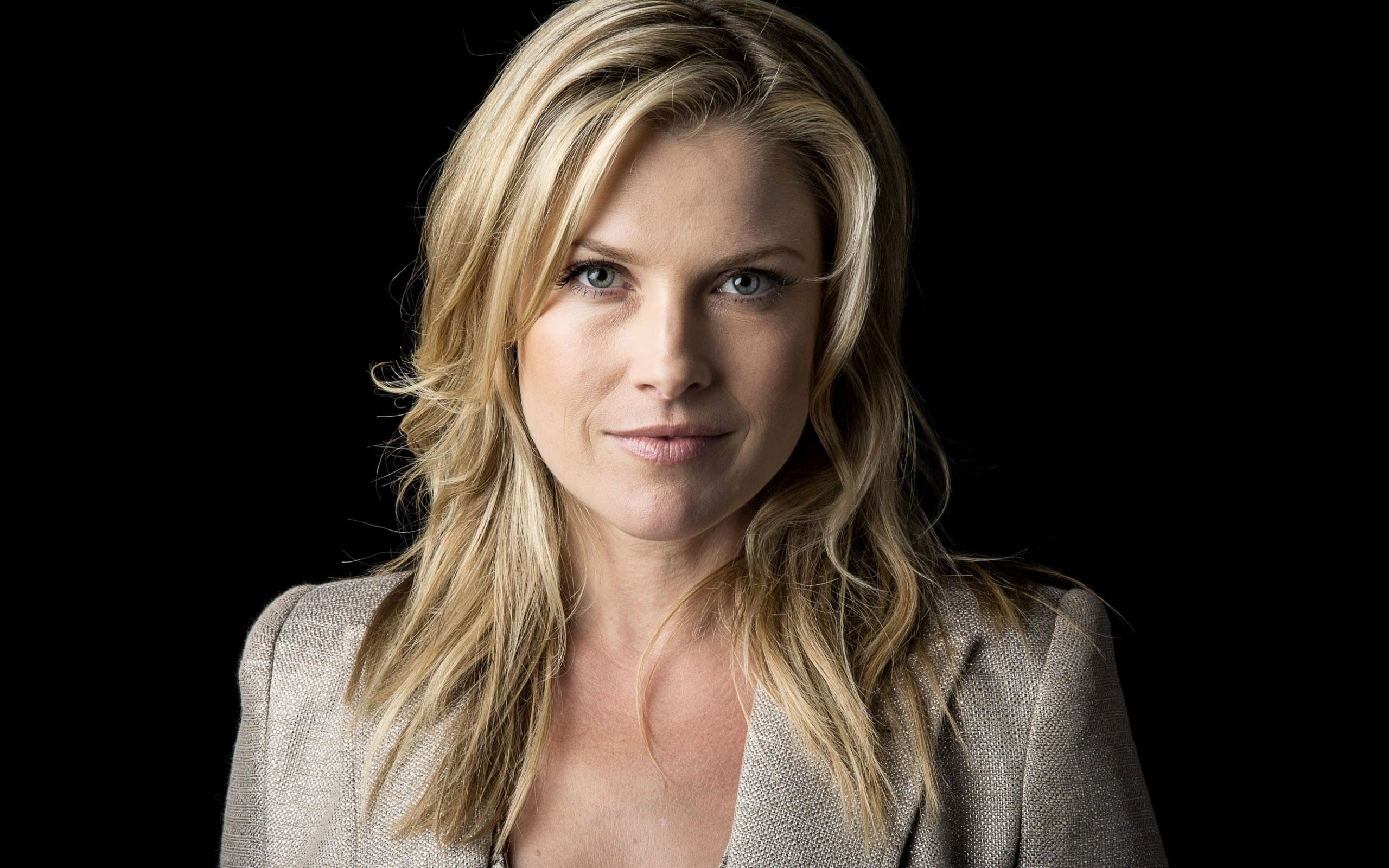 Ali Larter Widescreen for desktop