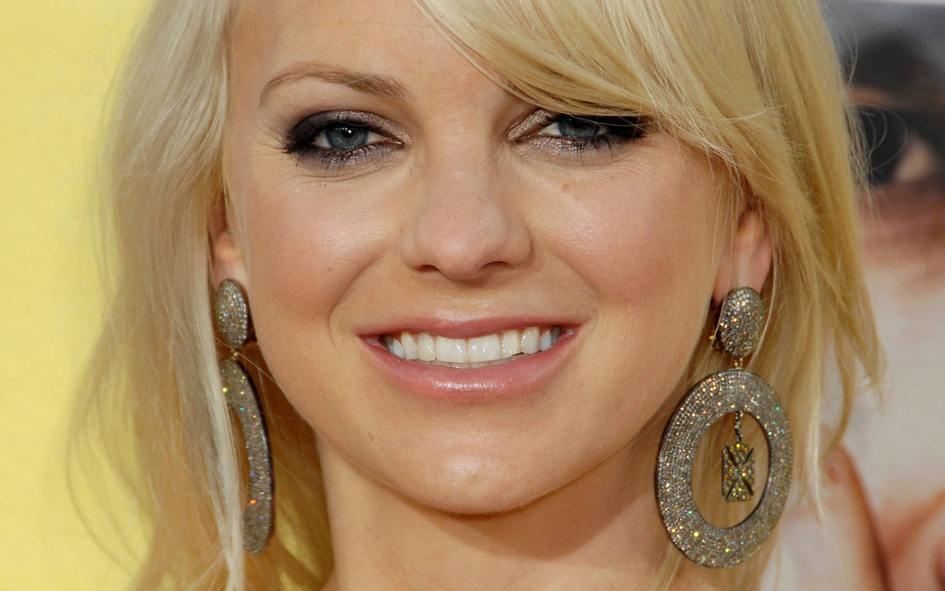 Anna Faris Backgrounds