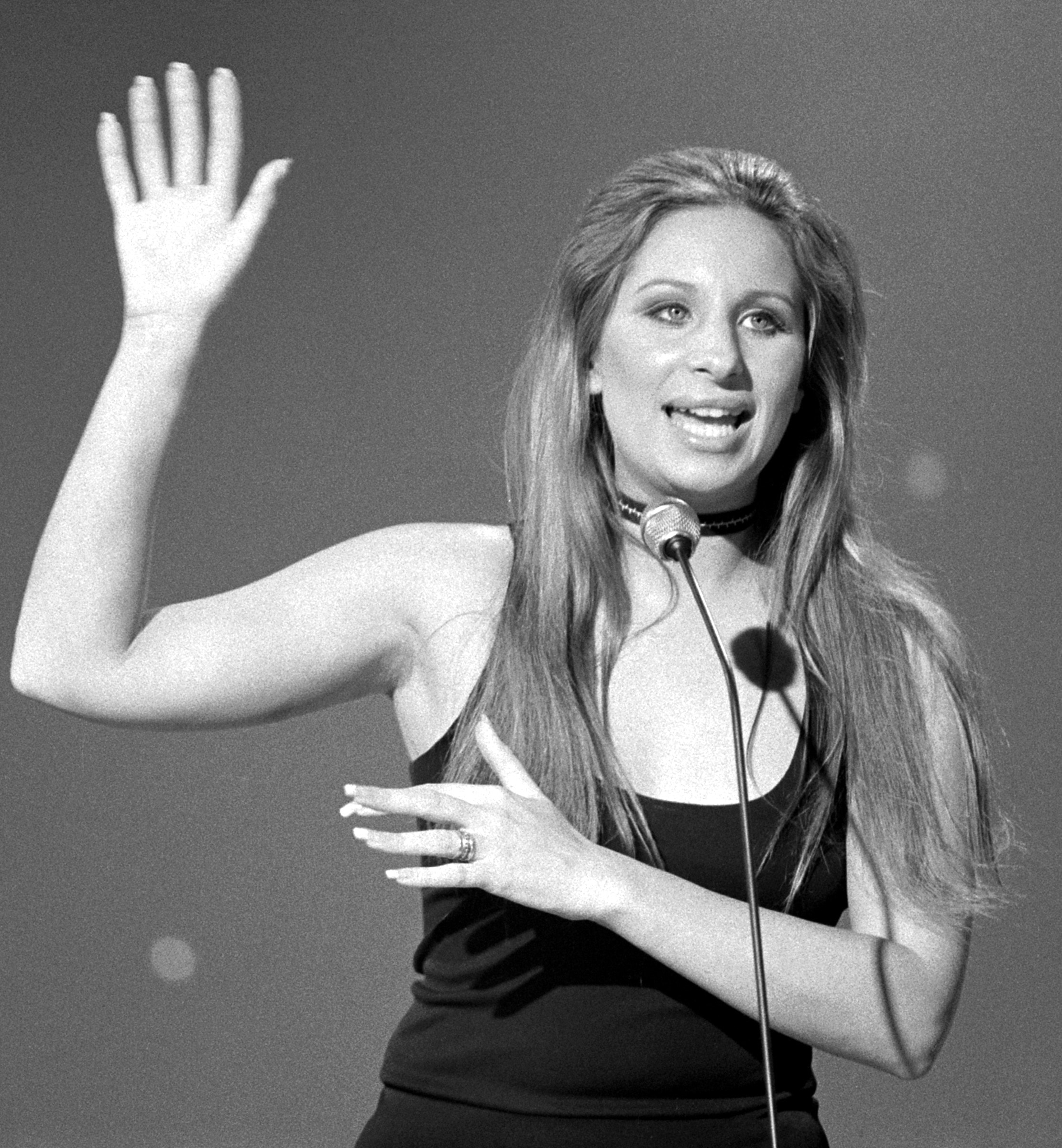 Barbra Streisand Backgrounds