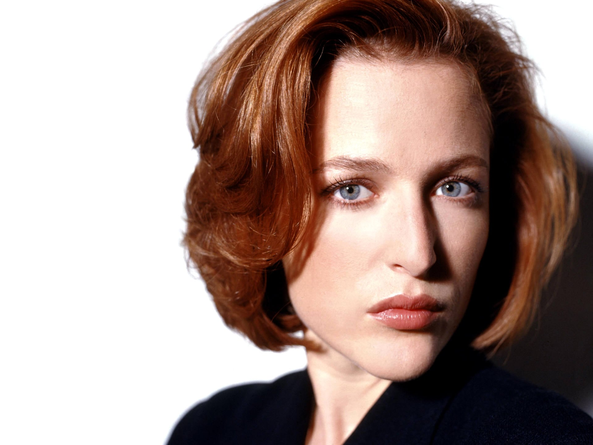 Gillian Anderson Backgrounds
