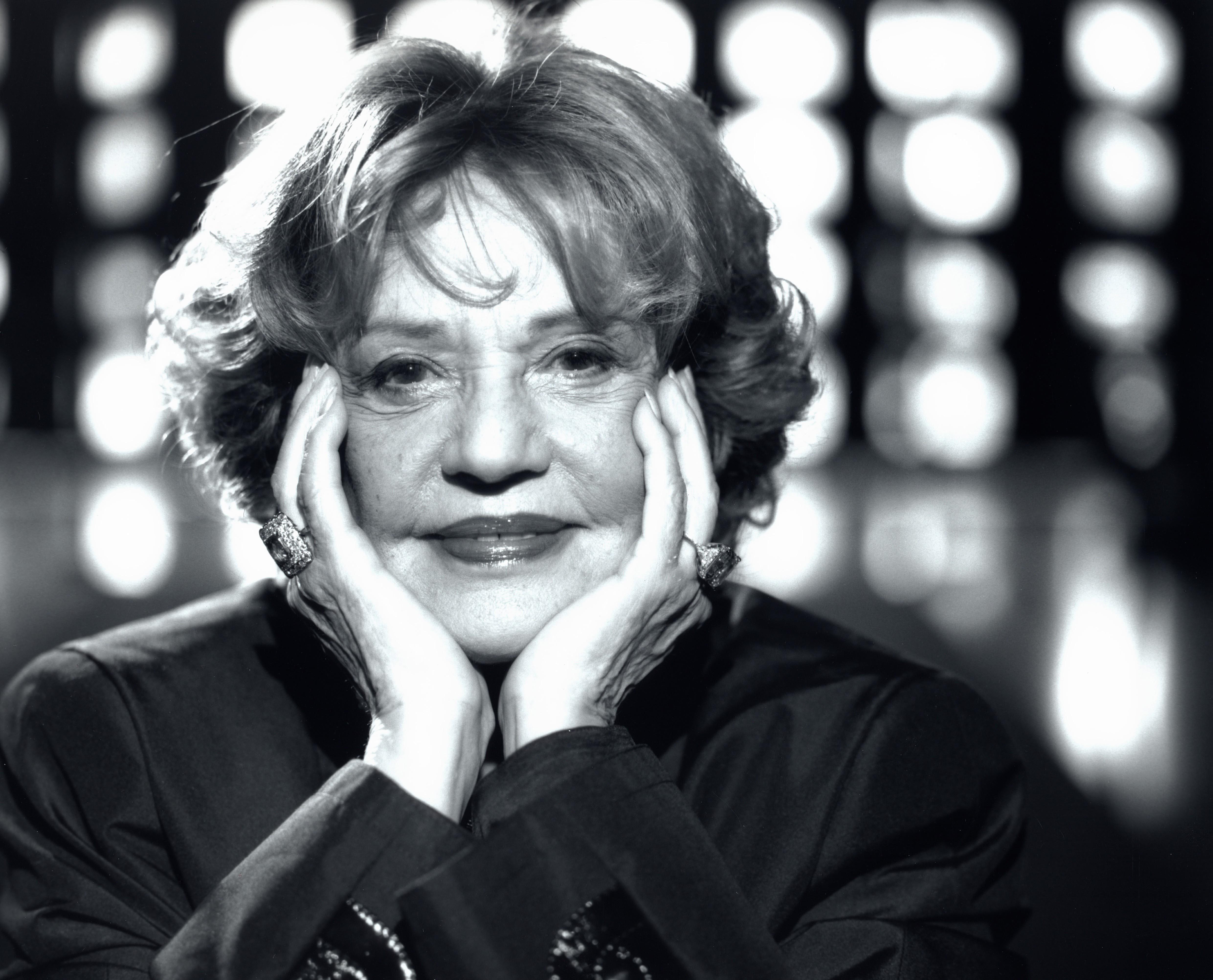Jeanne Moreau Backgrounds