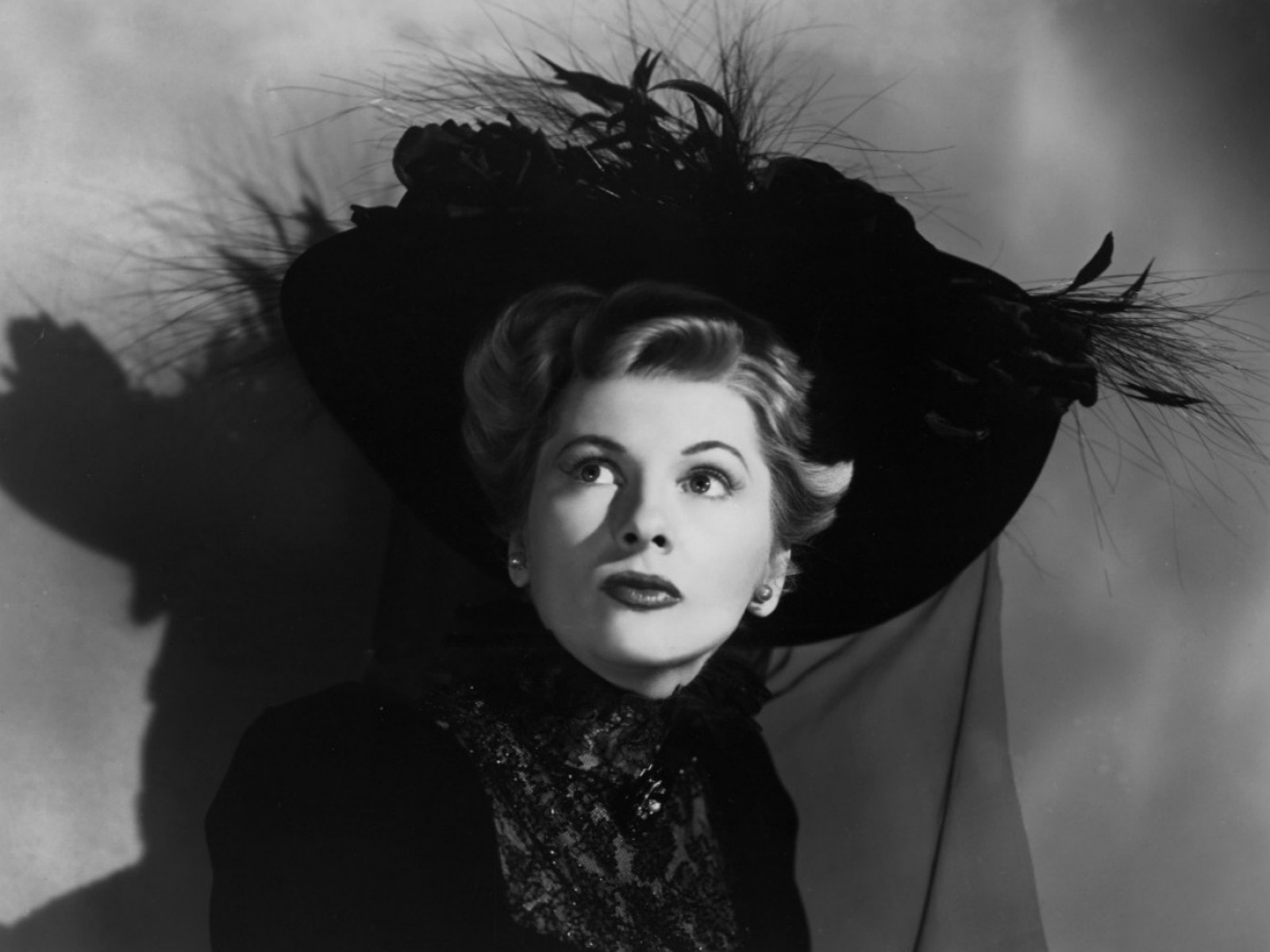 Joan Fontaine Backgrounds