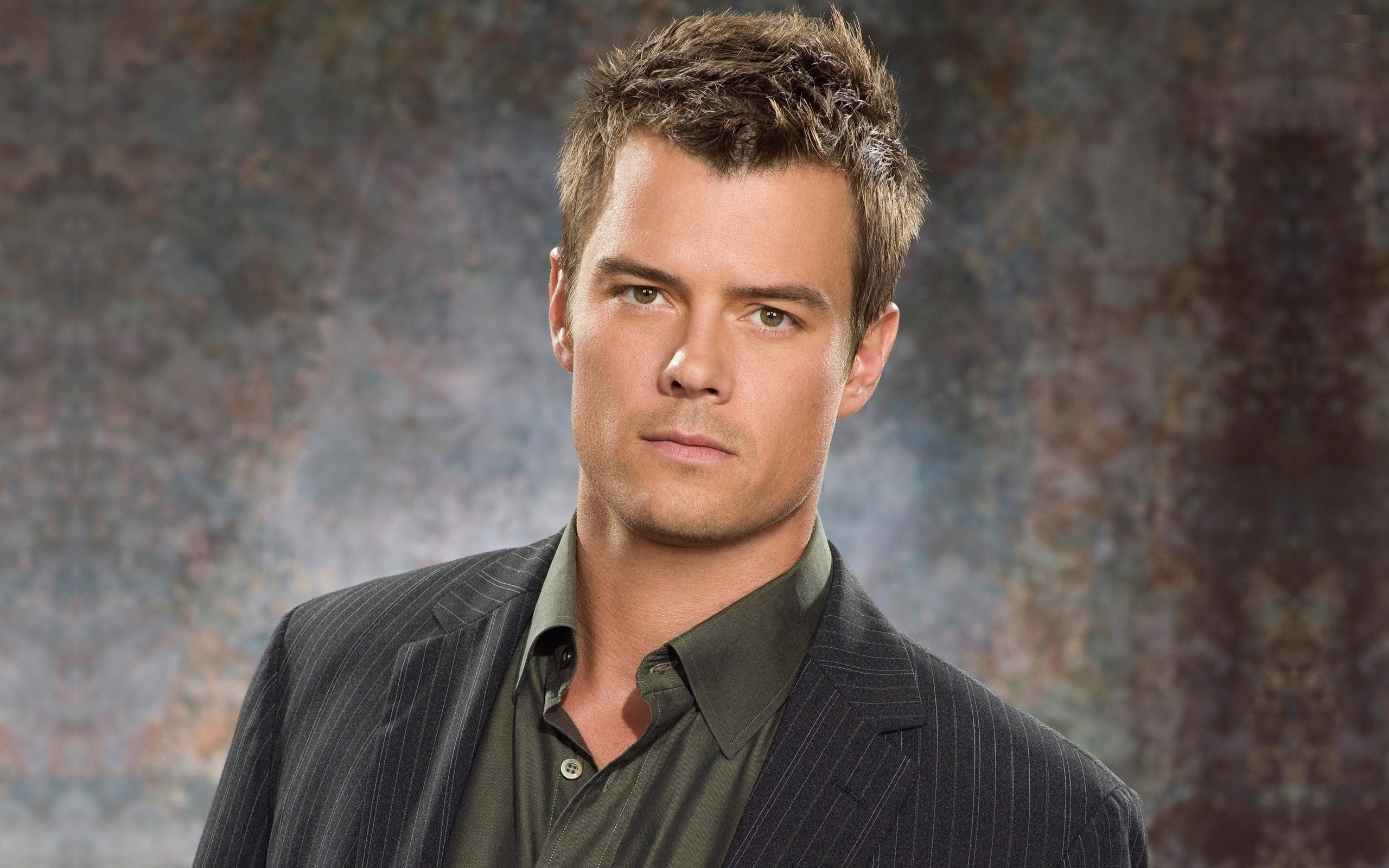 Josh Duhamel Backgrounds