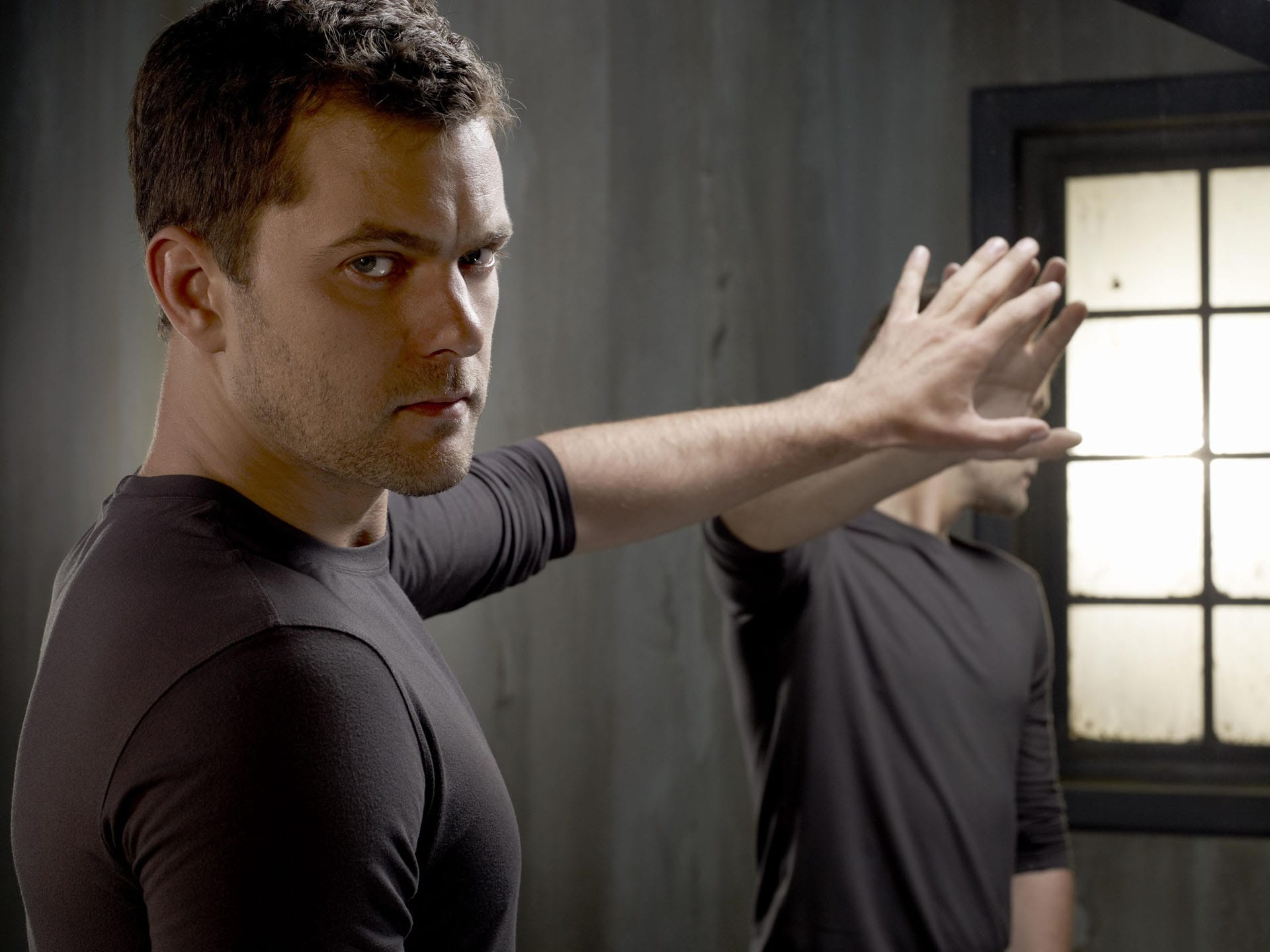 Joshua Jackson Backgrounds