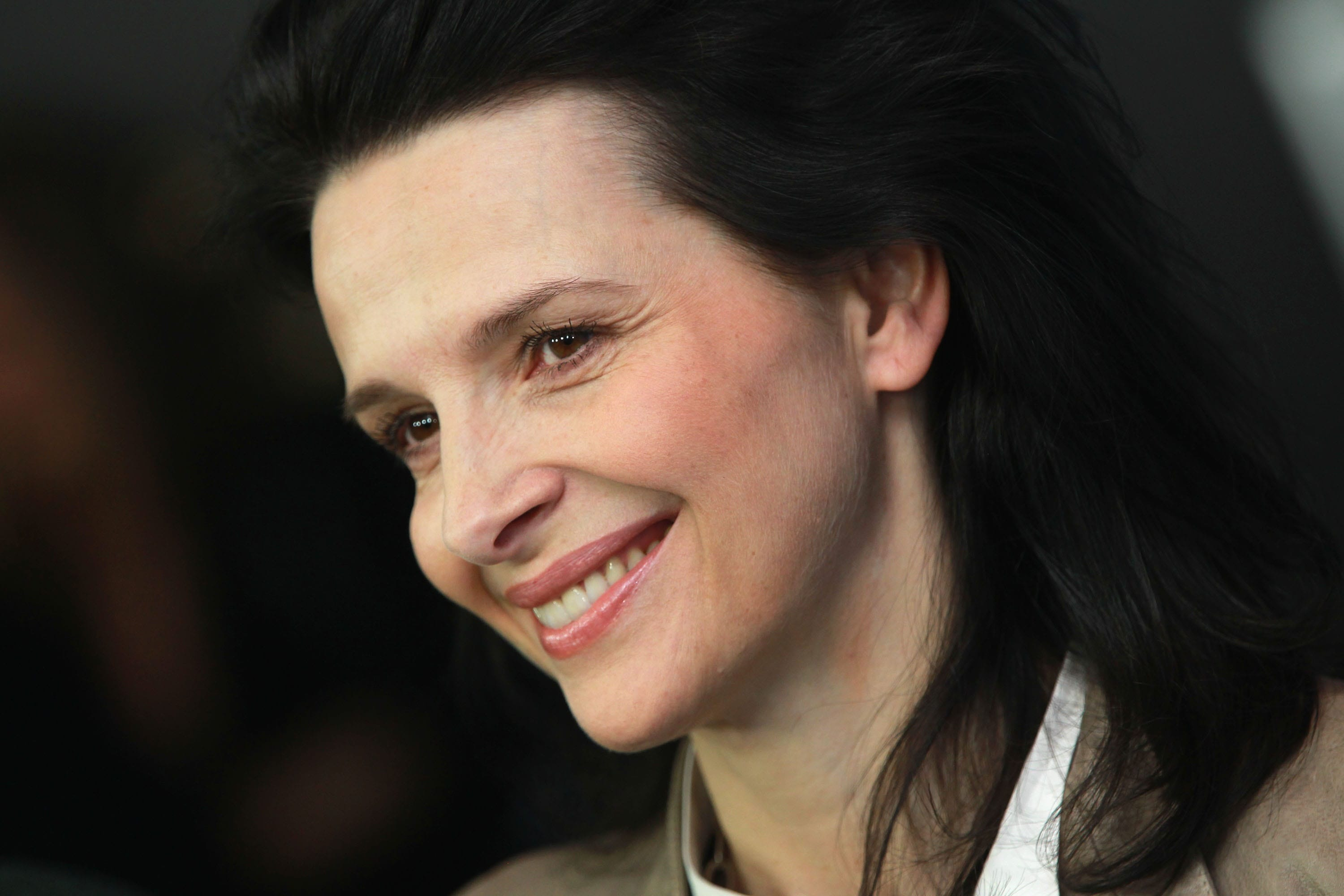 Juliette Binoche Backgrounds