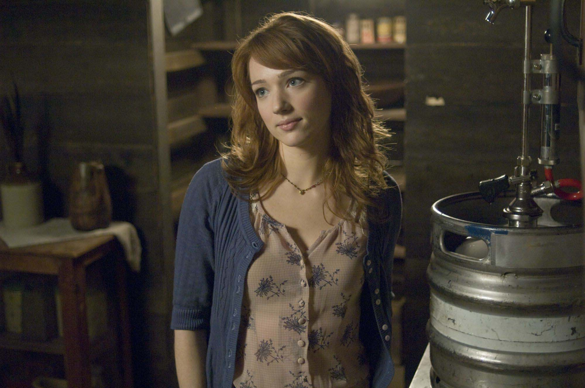 Kristen Connolly Backgrounds