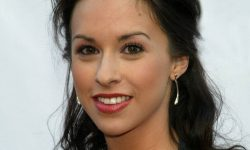 Lacey Chabert Backgrounds