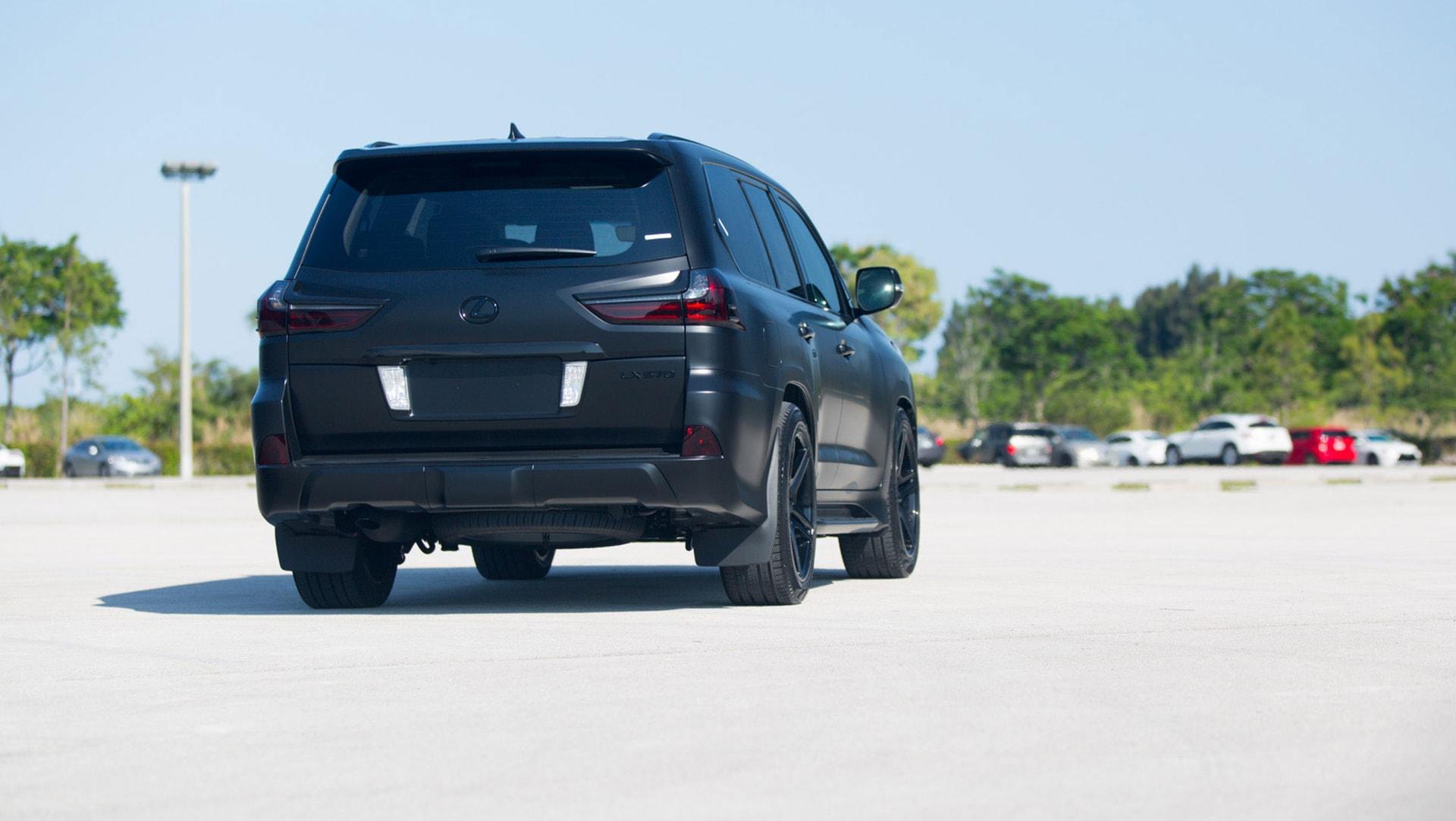 Lexus LX 570 FL Backgrounds