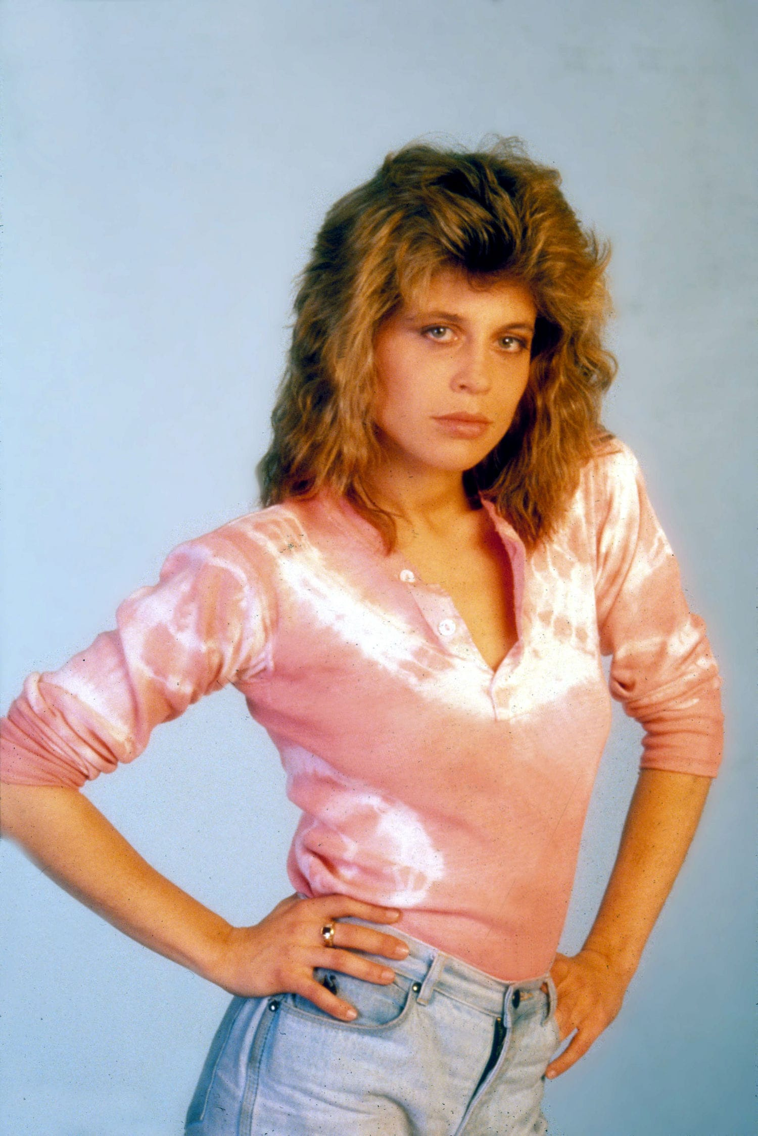 Linda Hamilton Backgrounds