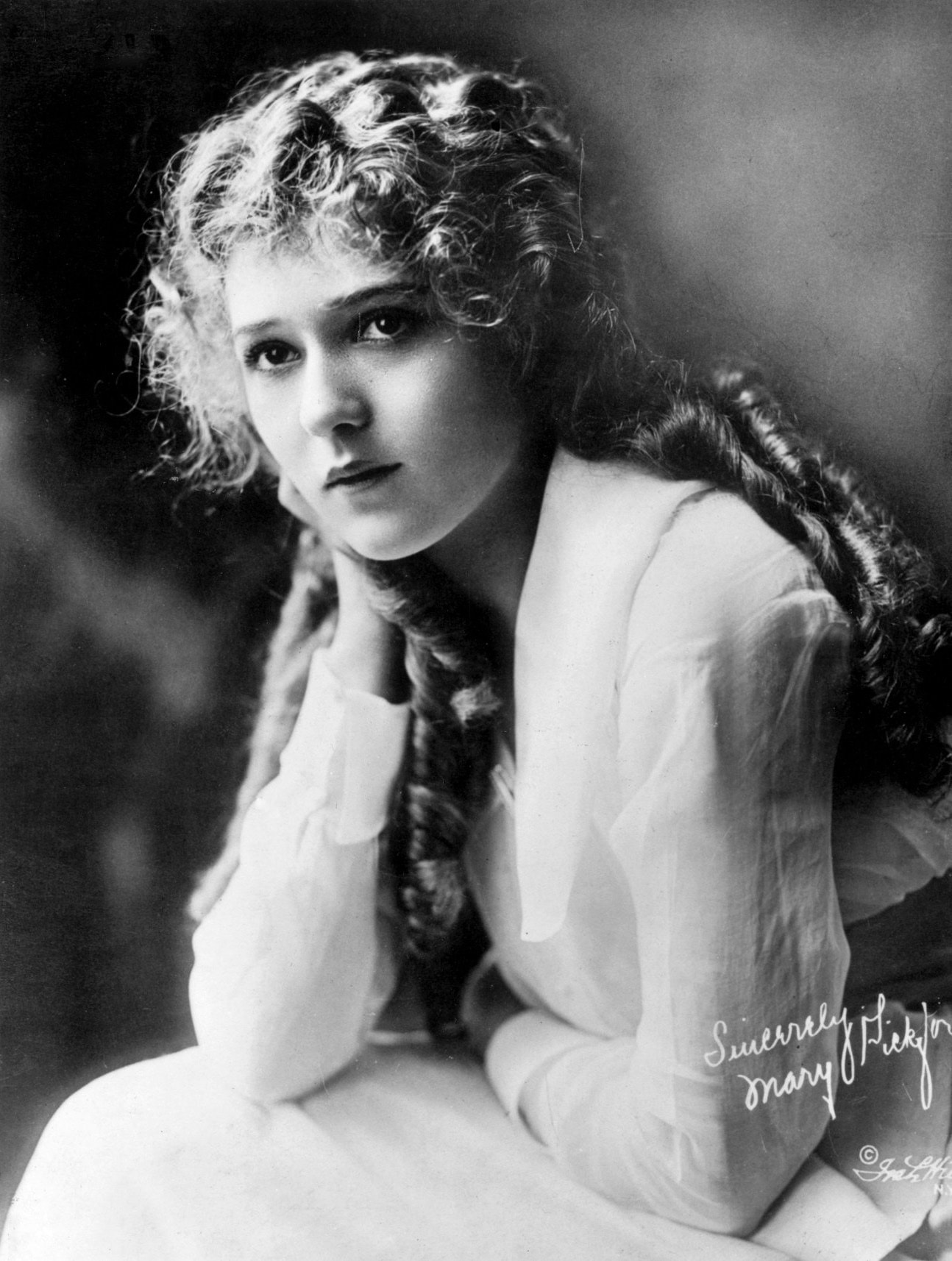 Mary Pickford Backgrounds