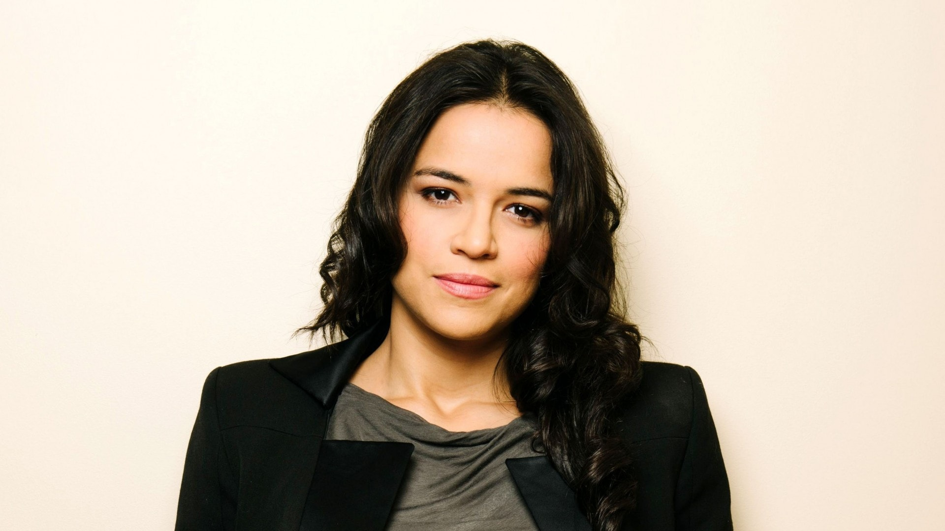 Michelle Rodriguez Backgrounds