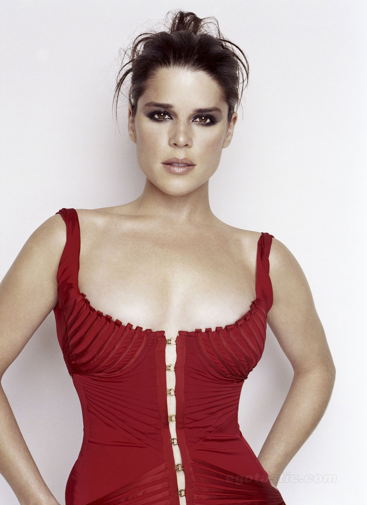 Neve Campbell Backgrounds