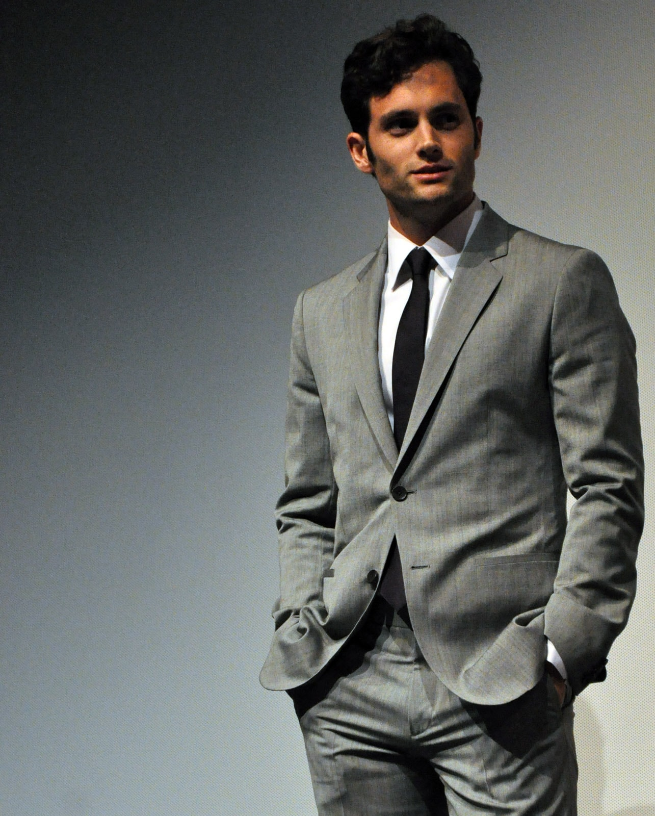 Penn Badgley Backgrounds