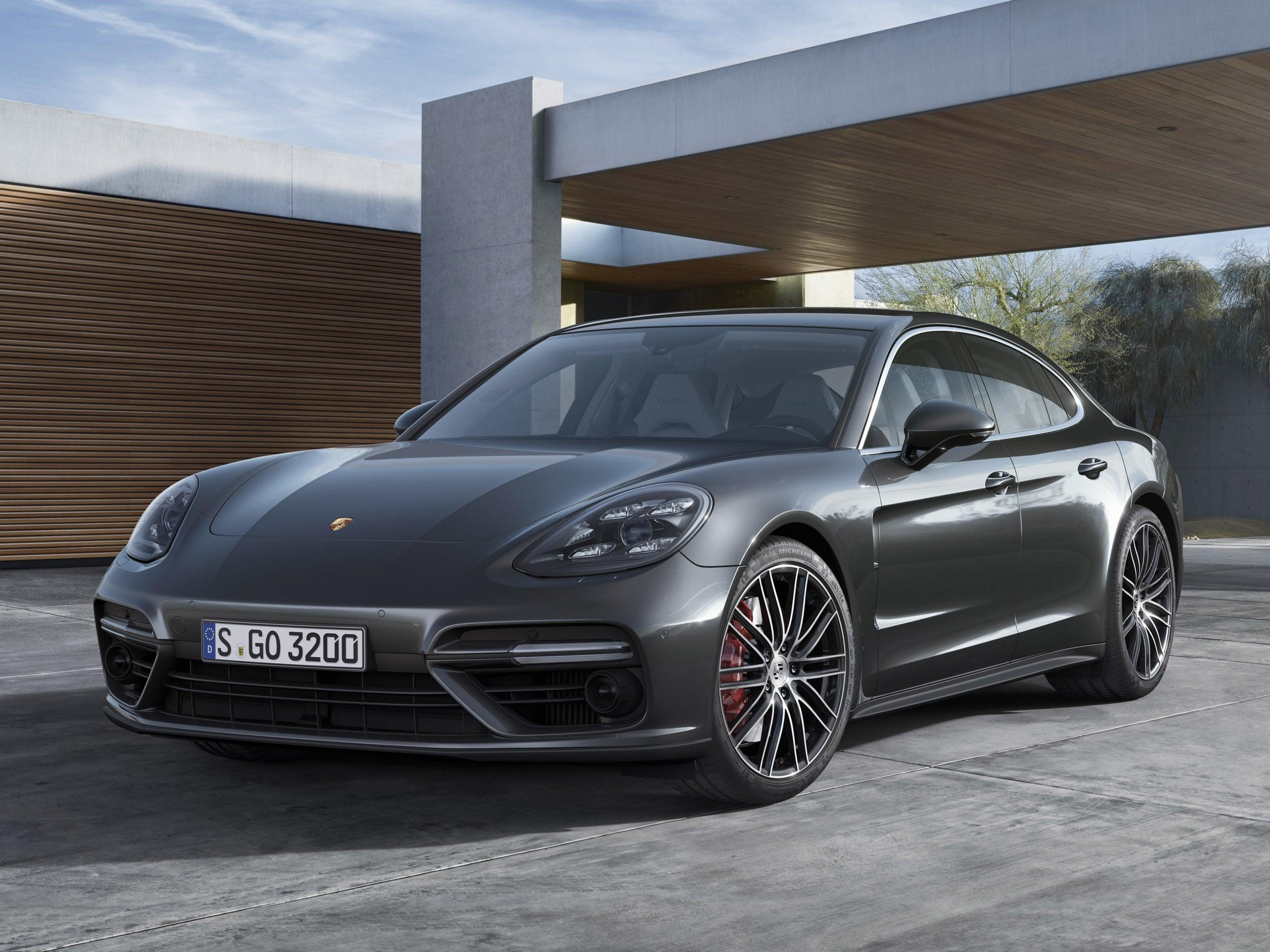 Porsche Panamera 2 Backgrounds
