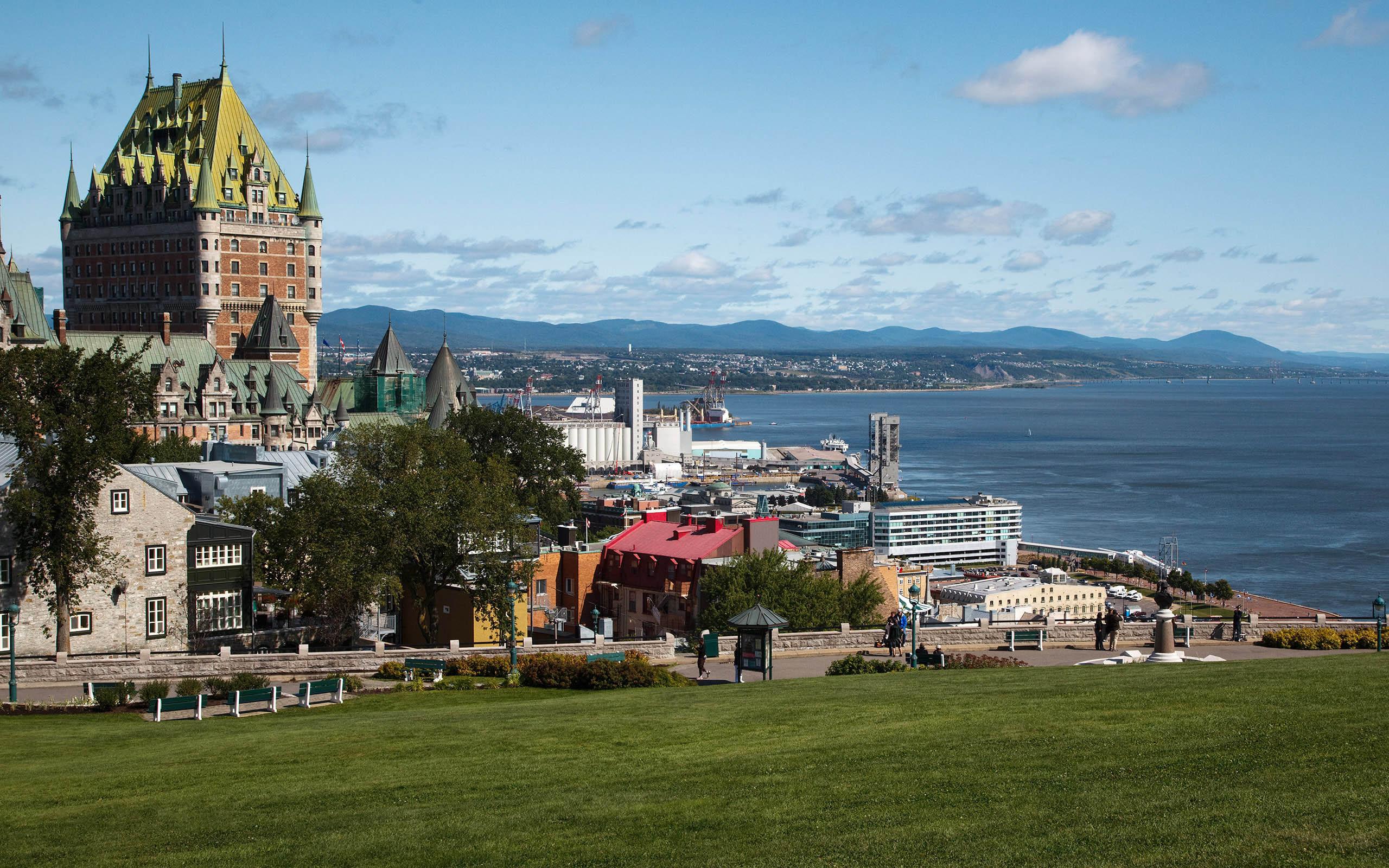 Quebec Backgrounds