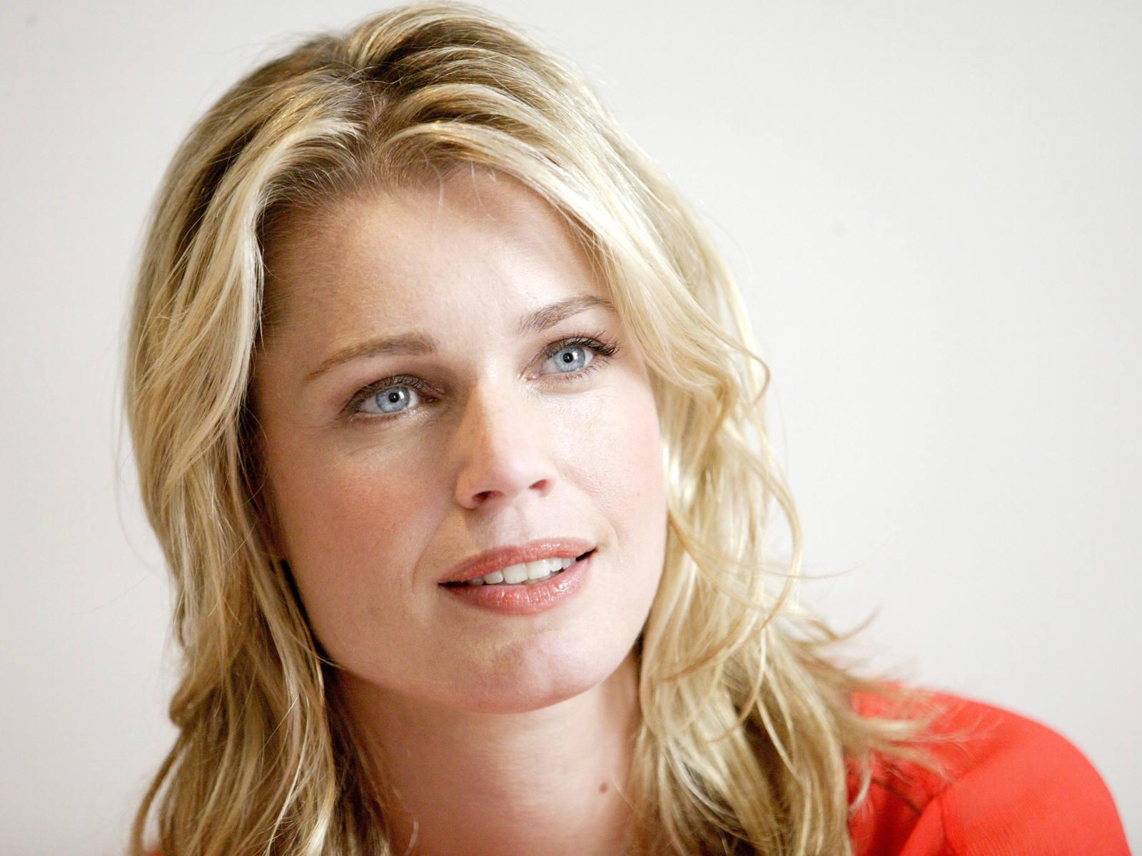Rebecca Romijn Backgrounds