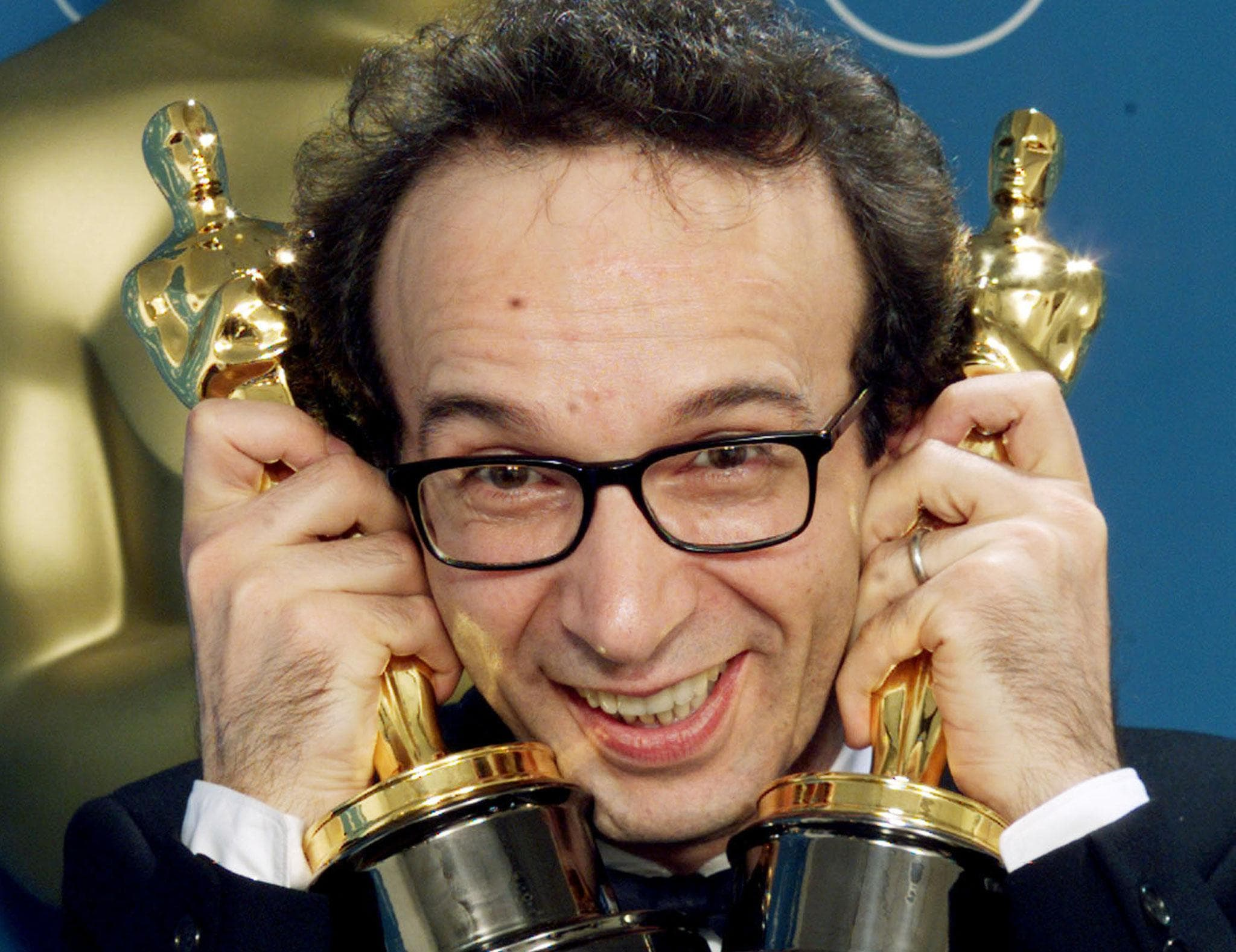 Roberto Benigni Backgrounds