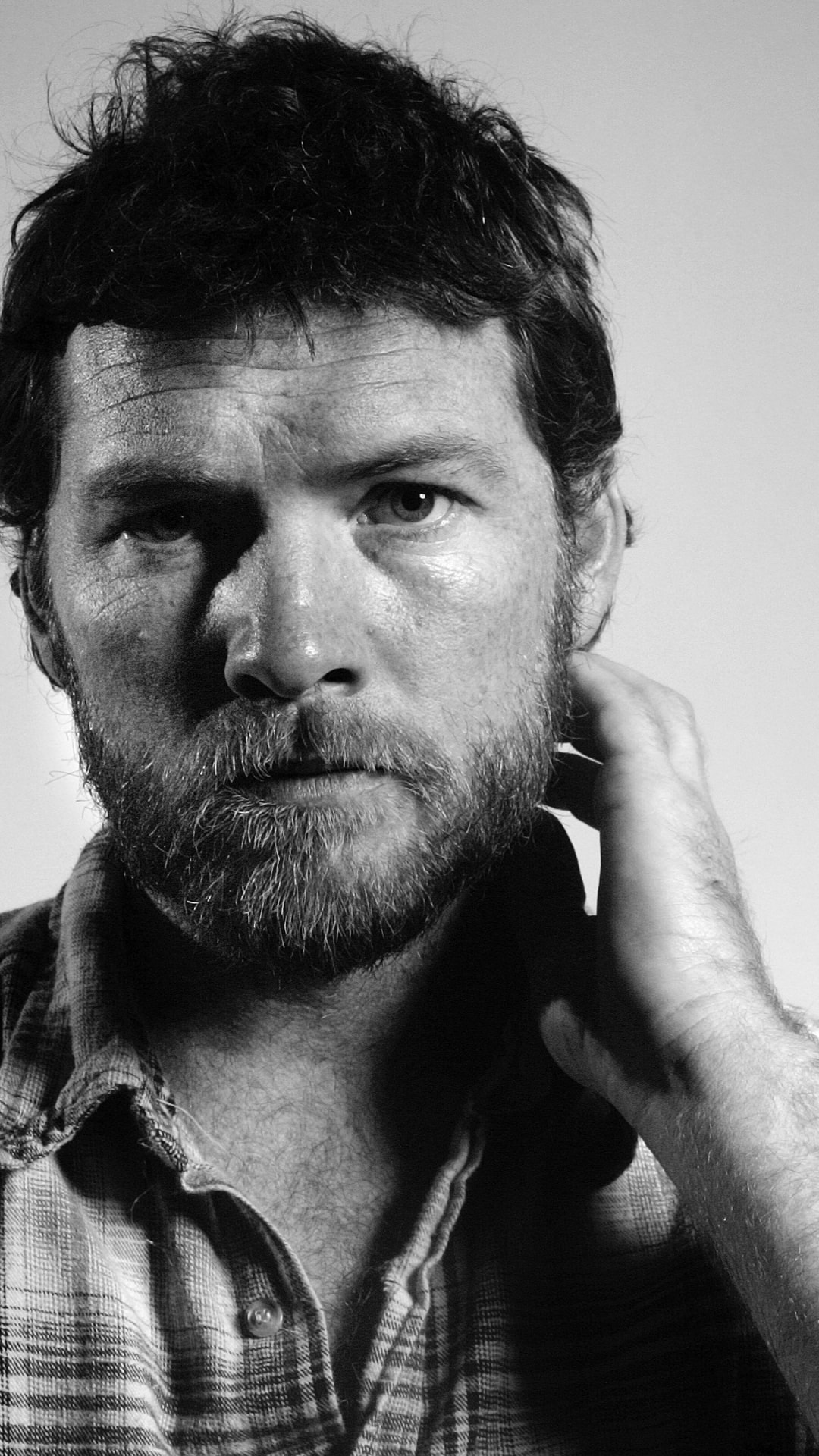 Sam Worthington Backgrounds