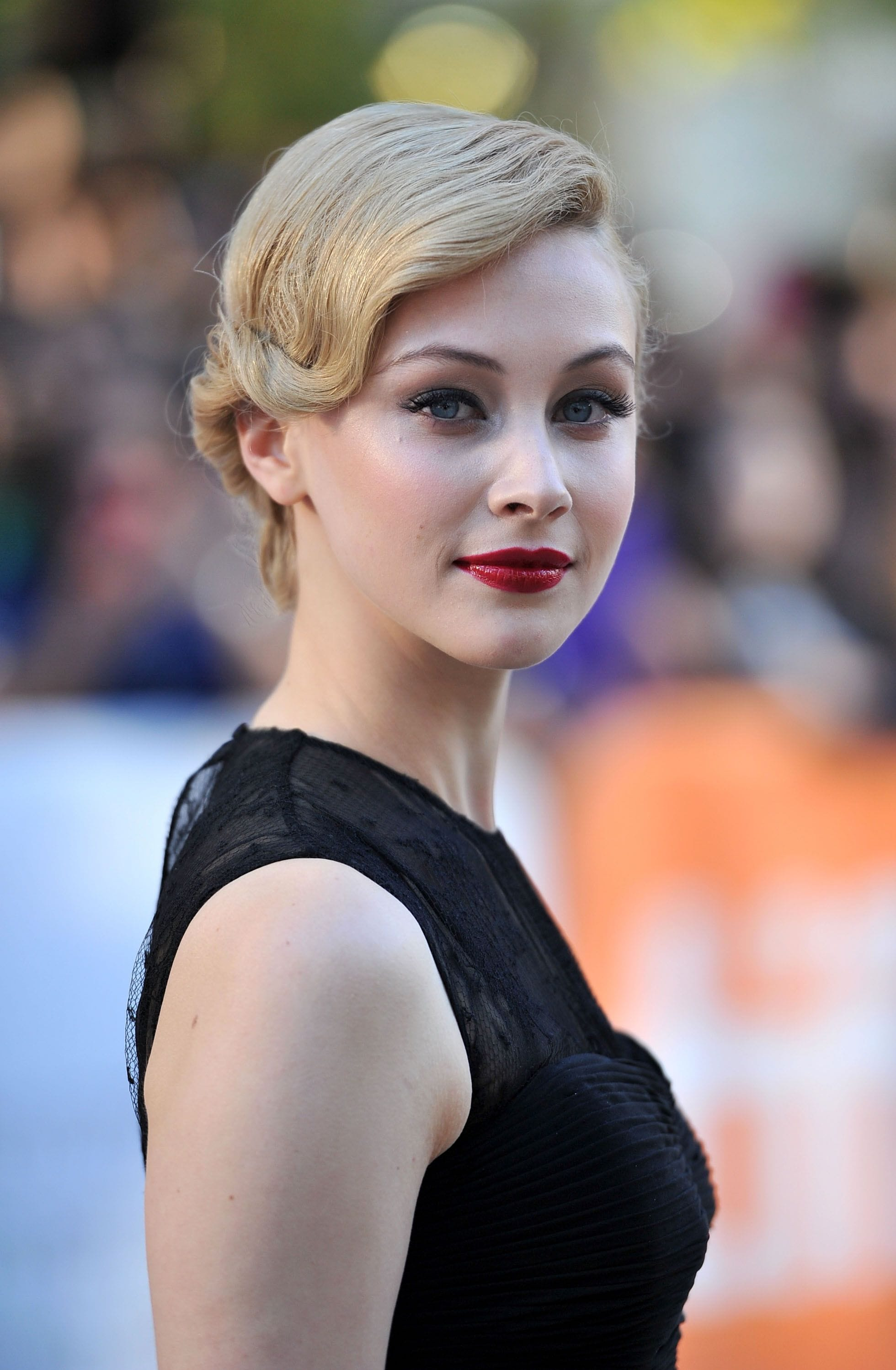 Sarah Gadons Backgrounds