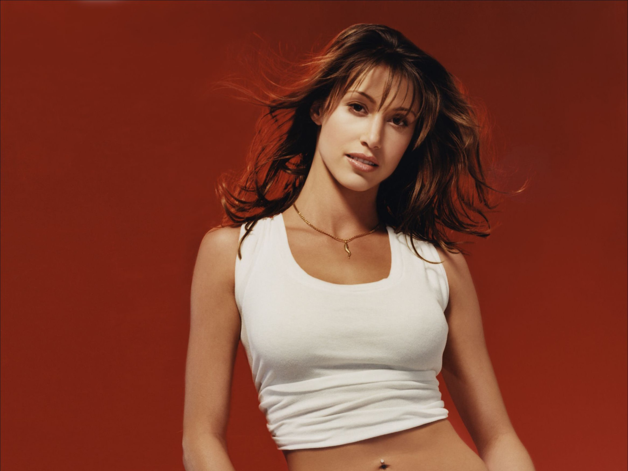 Shannon Elizabeth Backgrounds