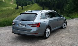 Skoda Superb Combi 3 Backgrounds