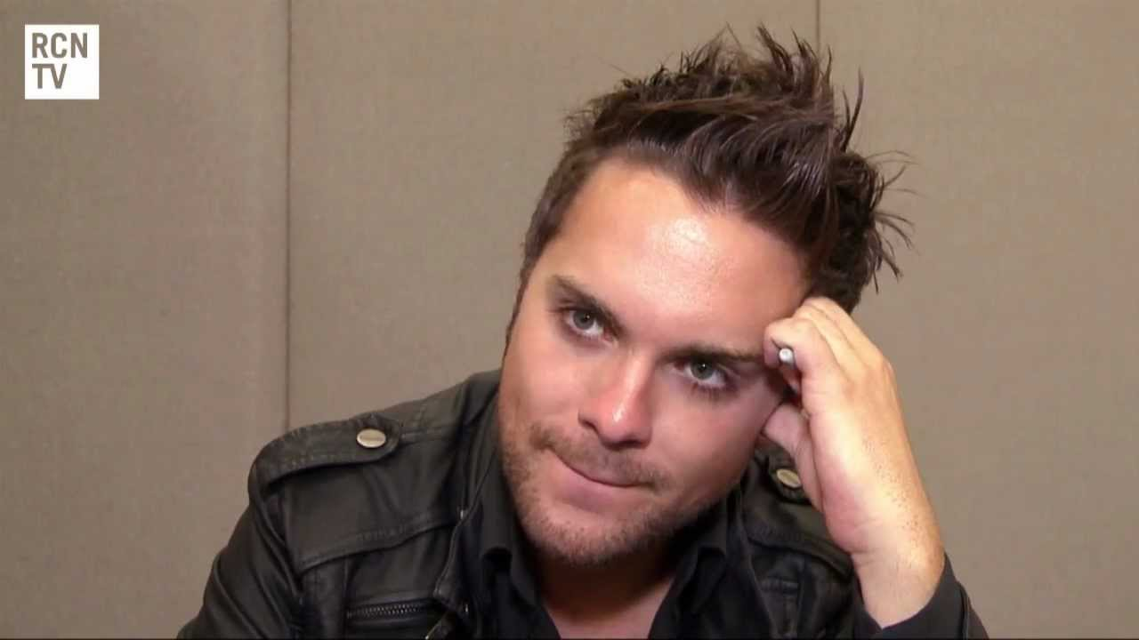 Thomas Dekker Backgrounds