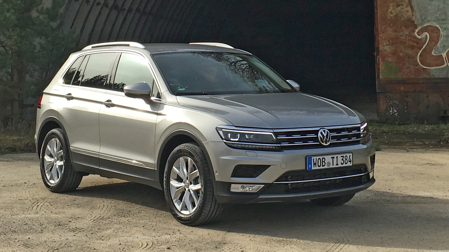 Volkswagen Tiguan 2 Backgrounds