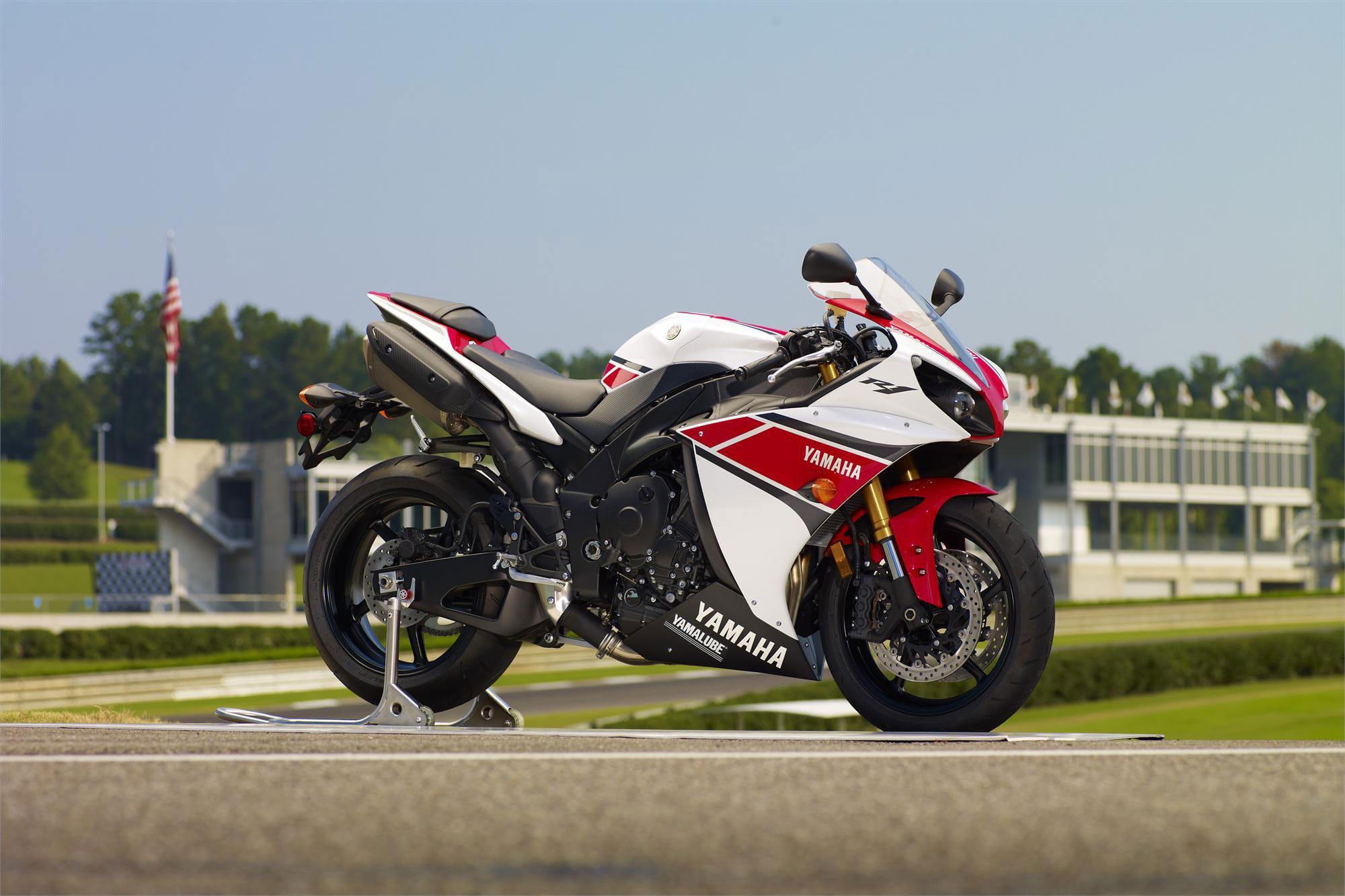 Yamaha YZF-R1 2012 Backgrounds