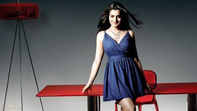 Amisha Patel widescreen wallpapers