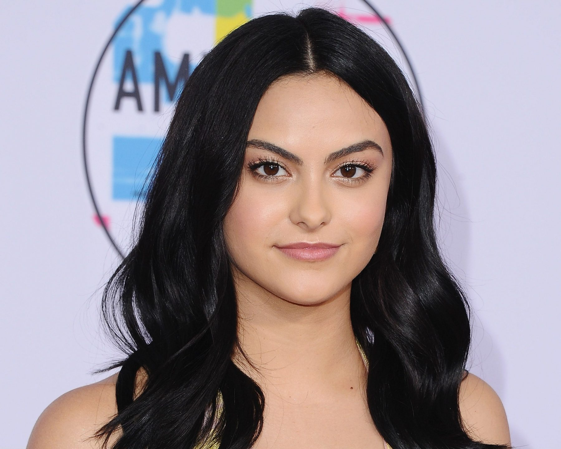 Camila Mendes Hd Wallpapers 7wallpapersnet