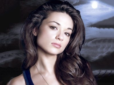 Crystal Reed Widescreen for desktop