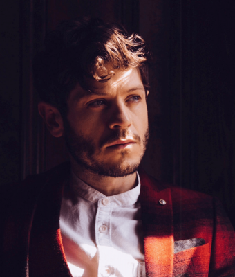 Iwan Rheon Wallpapers hd