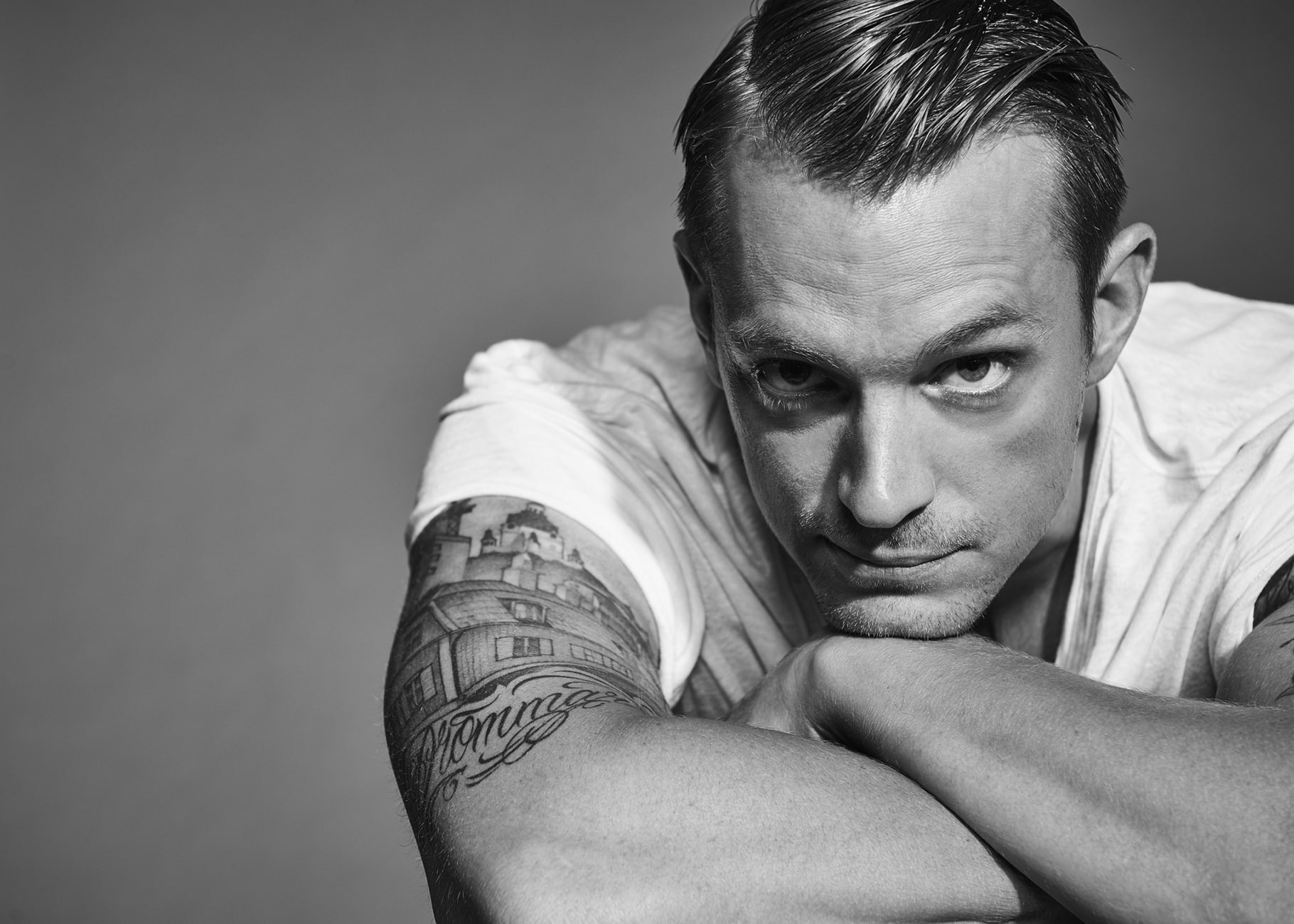 Joel Kinnaman Widescreen for desktop