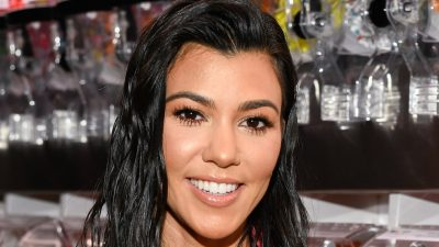 Kourtney Kardashian widescreen wallpapers