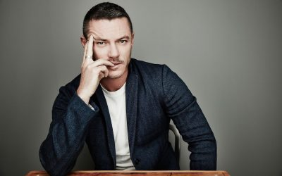 Luke Evans Screensavers