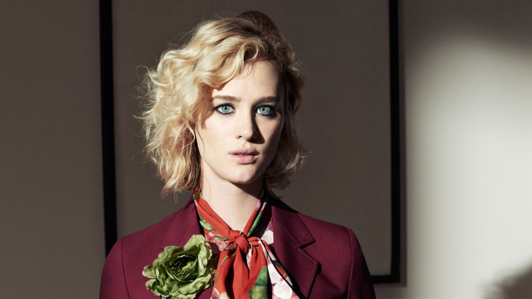 Mackenzie Davis Hd Wallpapers  7Wallpapersnet-6006
