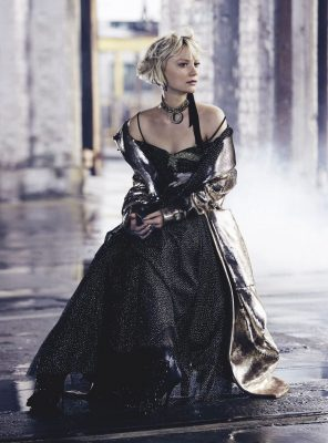 Mia Wasikowska HD pictures