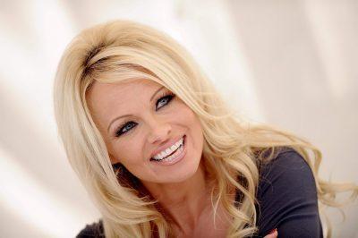 Pamela Anderson widescreen wallpapers