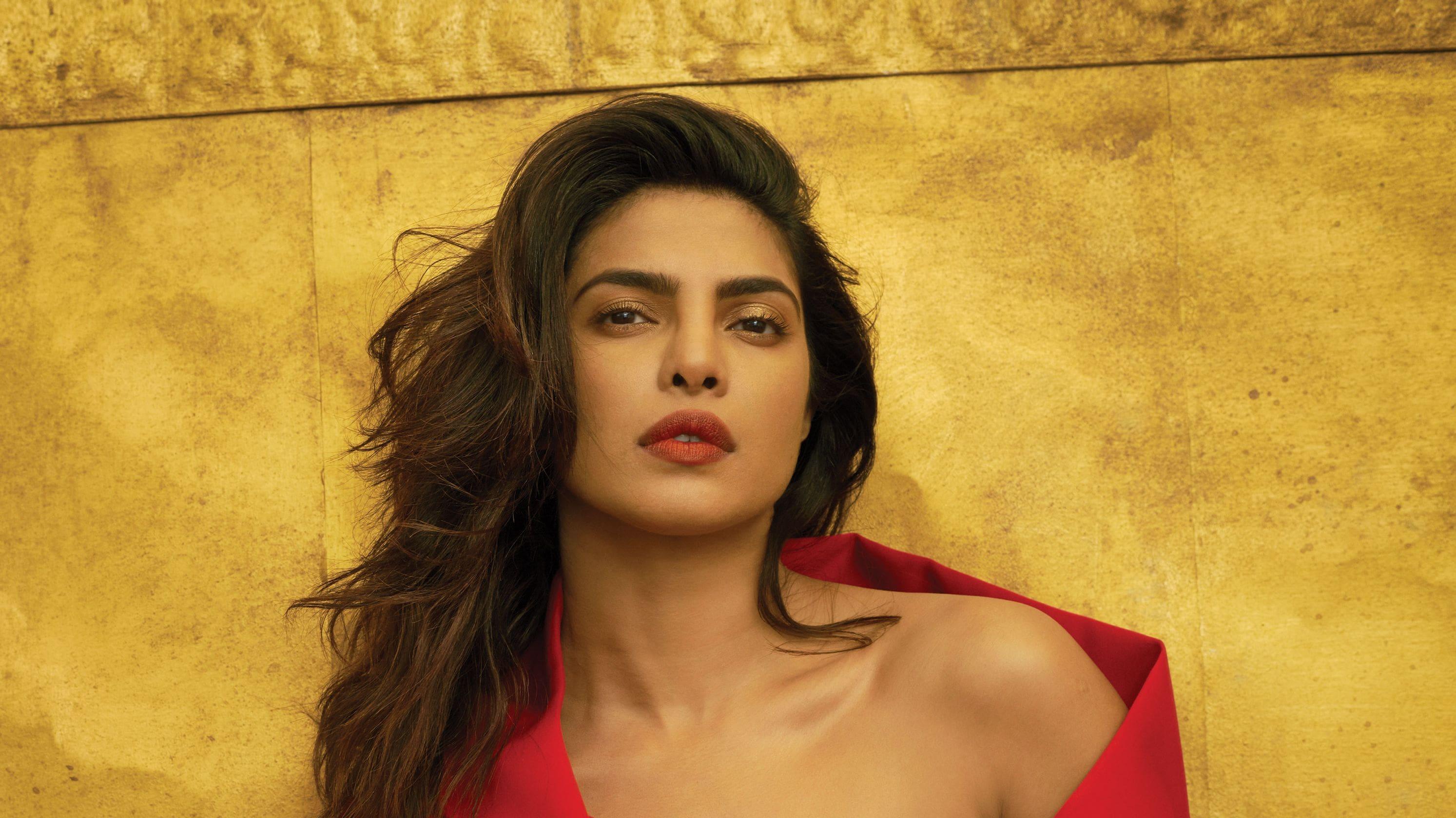 Priyanka Chopra Download